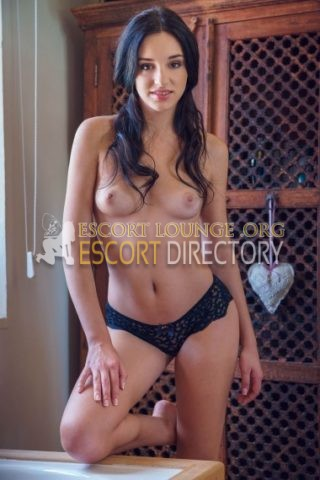 Prue, 21 years old Hungarian escort in Barcelona