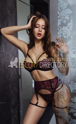 Bella, 23 years old French escort in Paris